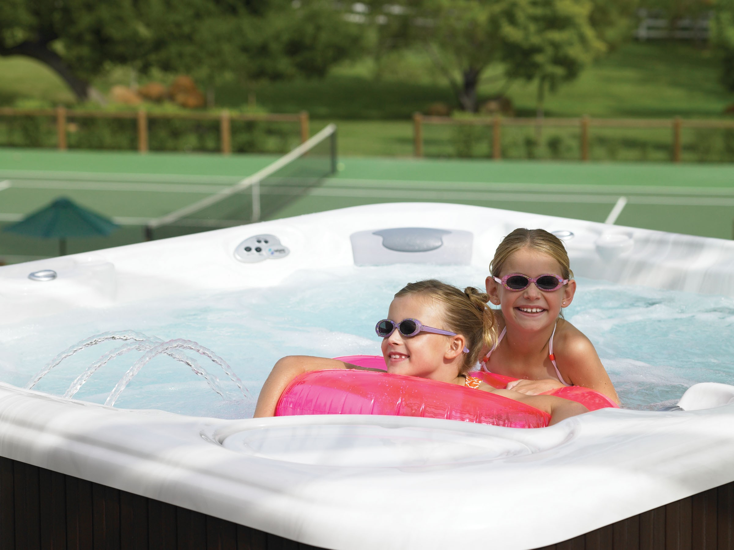 Top 5 Tips for Happy Hot Tub Soaking By Using the Right Water Care Products