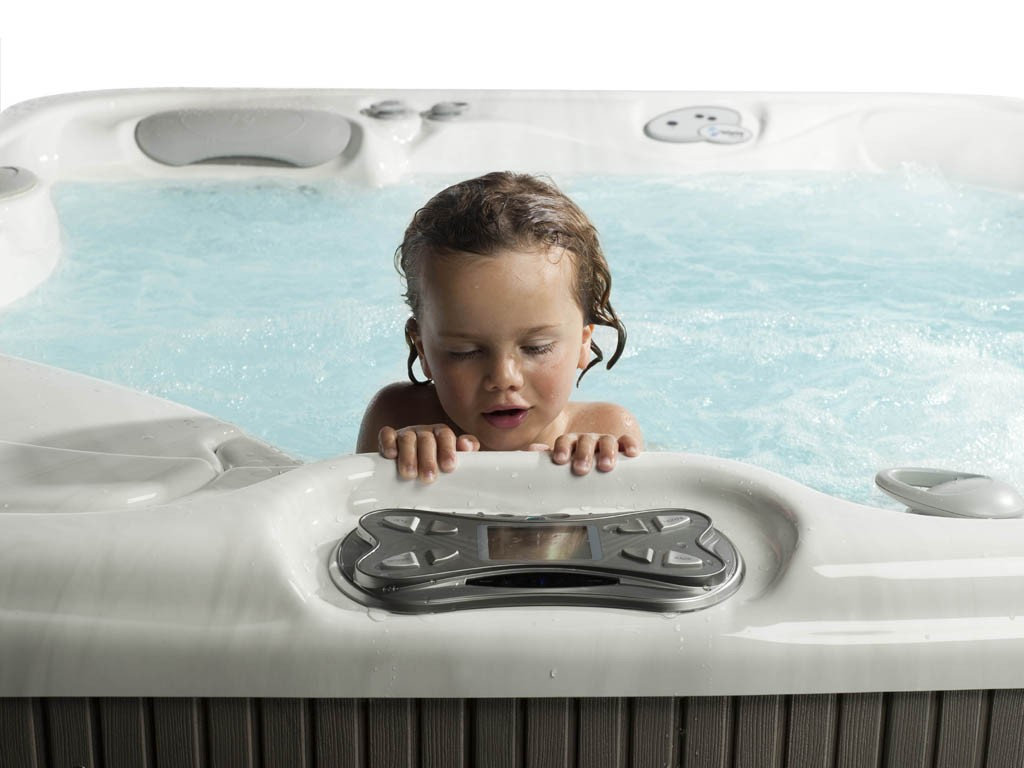 What's Hot in Hot Tubs? Salt Water! Top 7 Reasons Why a Salt Water Hot Tub is the Way to Go!