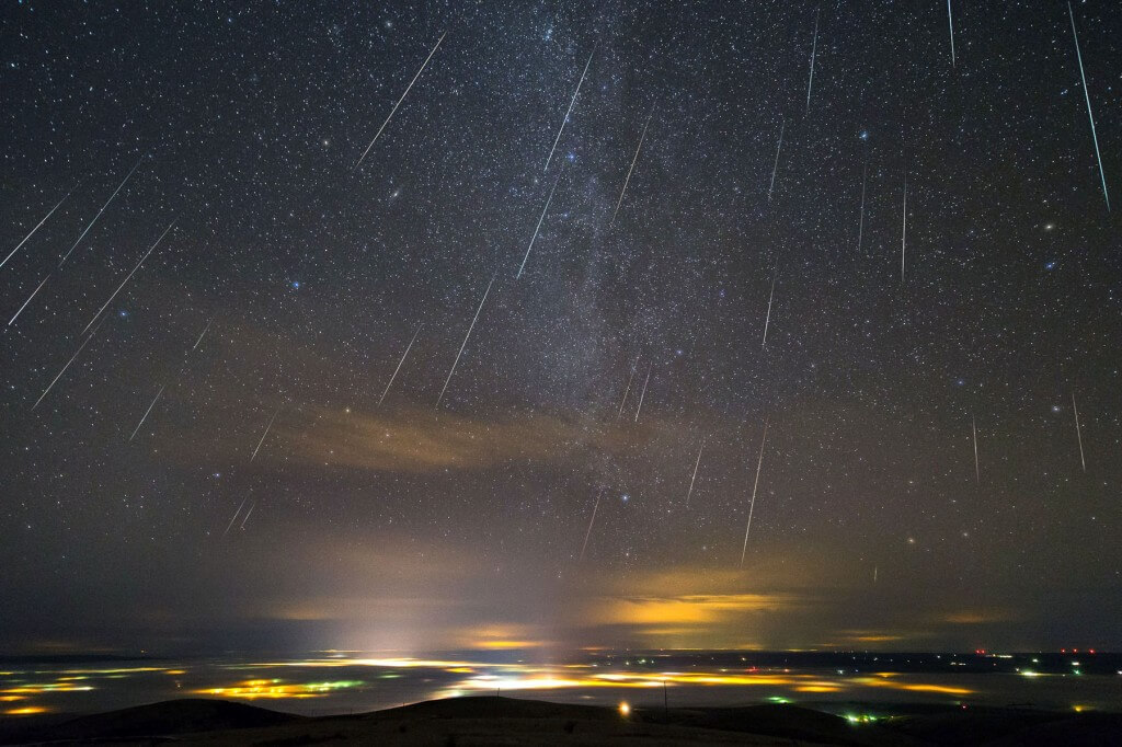 Hot Tub Astronomy: Catch the Geminids Meteor Shower This Saturday