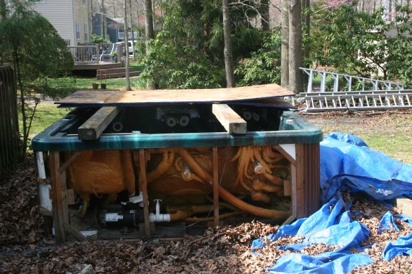 Before you buy a used hot tub online, read these 5-reasons to reconsider