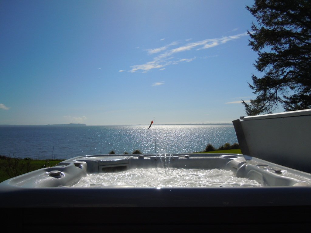 It's HOT! Here are some tips for using your hot tub in the heat