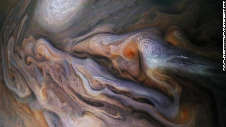 Jumping Jupiter! A rare chance to see this magnificent planet from your hot tub